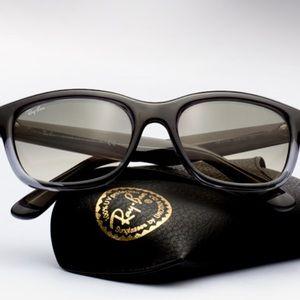 Ray-Ban Sunglasses RB4159